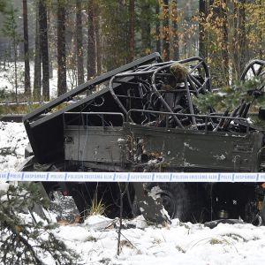 Onnettomuudessa romuttunut miehistönkuljetusvaunu.