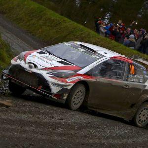 Jari-Matti Latvala vauhdissa Walesissa.