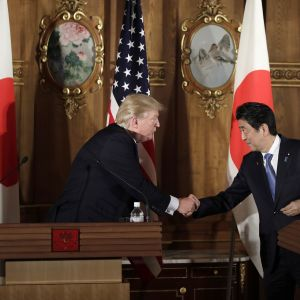 Donald Trump ja Shinzo Abe