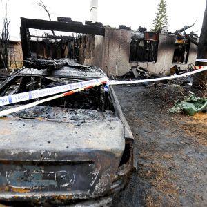 Tulipalossa tuhoutunut omakotitalo Kangasalla 10. marraskuuta 2017.
