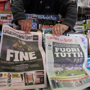 Italialaislehtien kannet Ruotsi-tappion jälkeen.
