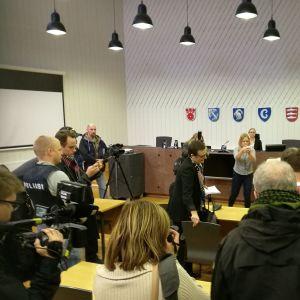 Porvoon lapsipuukotuksesta epäillyn miehen vangitsemisoikeudenkäynti 16.11.2017.