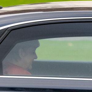 Saksan liittokansleri Angela Merkel autossa