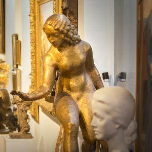 veisto ja muita taide-esineitä