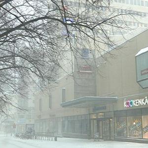 HS Centerin Hovioikeudenpuistikon julkisivu muuttuu ikkunoiksi.