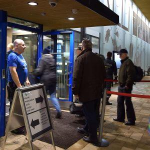 Hämeenlinnan uimahallin ovi avataan asiakkaille remontin jälkeen