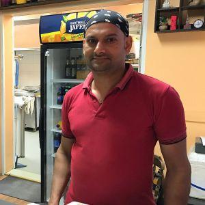 Nazrul Islam on enolaisen ravintola Donan yrittäjä.