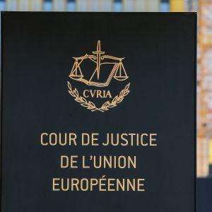 EU:n tuomioistuimen kyltti