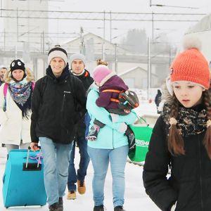 Venäläisen it-firman työntekijöitä tulossa juhliin Vainikkalassa