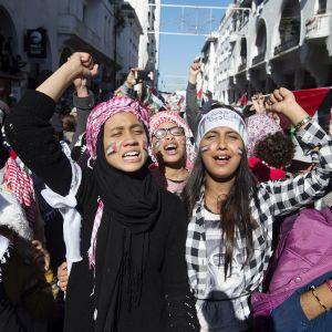Mielenosoitus Donald Trumpin lausuntoa vastaan Rabatissa, Marokossa 10. joulukuuta.