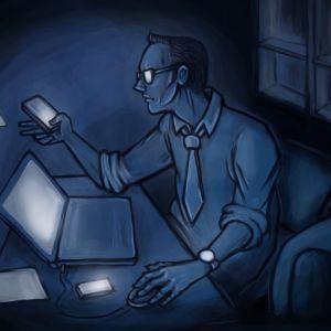 Kuvituskuva, jossa työntekijä istuu kotonaan myöhään yöllä ja hänet valisee puhelimien sekä läppärin näytöt