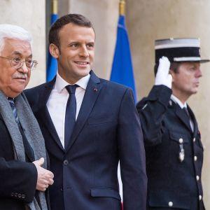 Palestiinan presidentti Mahmoud Abbas ja Ranskan presidentti Emmanuel Macron tapasivat Élysée-palatsissa, Pariisissa perjantaina.