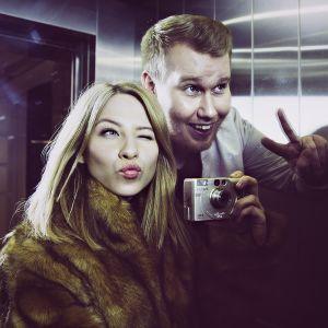 Soikku juontaa uutta YleX Throwback -ohjelmaa yhdessä Jani Kareisen kanssa.