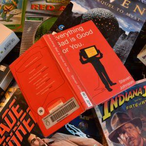 Steven Johnsons bok Everything Bad is Good for You, samt ett antal datorspel.