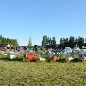 Joensuun tilas småbåtshamn i Sibbo.