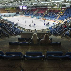 Kloten Flyers vs HV71 Jonkoping i CHL