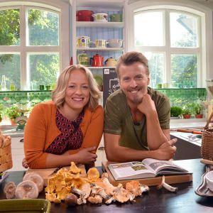 Elin Skagersten-Ström och Paul Svensson i köket på Strömsö.