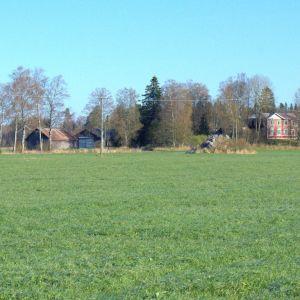 Det Wahlrooska hemmanet består av 50 hektar mark i Korsholm.