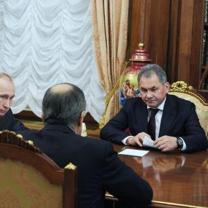 Vladimir Putin, Sergej Lavrov och Sergej Shoigu i Kreml den 14 mars 2016.