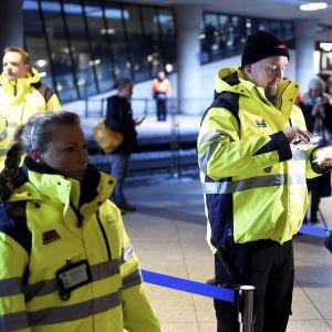 ID-kontroll vid järnvägsstationen på Kastrup i najuari 2016