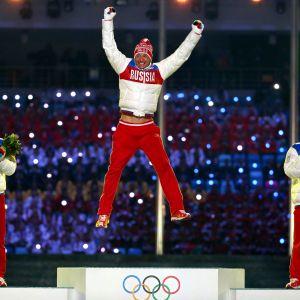 Alexander Legkov högst upp på prispallen
