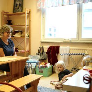 Mia Karvonen, Mathilda Virolainen och Celine Böhlström på Folkhälsans daghem i Vasa
