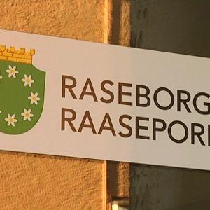Raseborgsskylt.