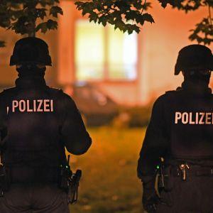 Polisen letar efter misstänkt syrisk terrorist i Chemnitz.