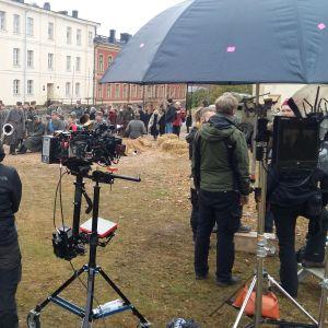 Filminspelning av Okänd soldat på Sveaborg.