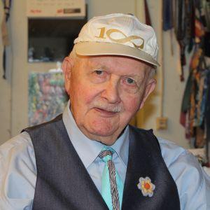 Författare Olof Granholm.