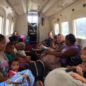 Människor evakueras undan stormen i Costa Rica.