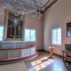 Ett altare i en kyrka.