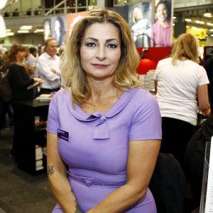 Porträttbild av författaren Katerina Janouch.