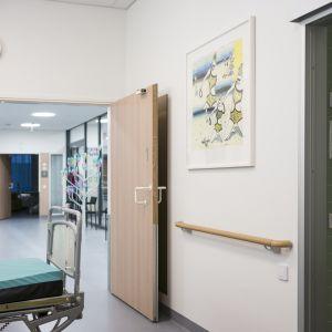 Inne i Esbo sjukhus