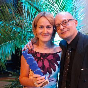 Minna Knus-Galán och Kjell Lindroos har tilldelats ett av Koura-priserna.