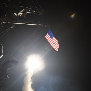 USA:s marin utför missilattacker från Medelhavet mot Syrien den 7 april 2017.