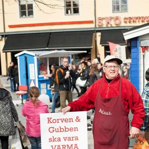 Korvförsäljaren Helmer Holm i Umeå.