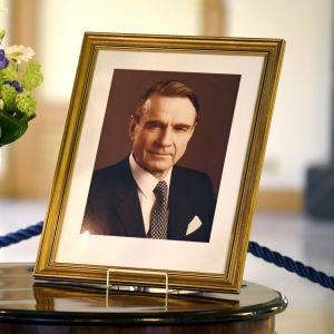 President Mauno Koivistos kondoleansbok vid Presidentens slott i Helsingfors den 19 maj 2017.