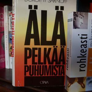 Risto Kuusisto kirjahylly