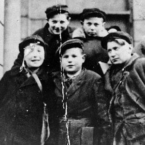 Historia: Varsovan gheton pikkusankarit, yle tv1
