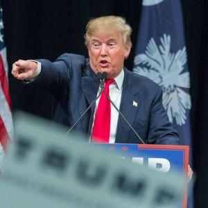 Donald Trump puhuu vaalikokouksessa 19.2.2016