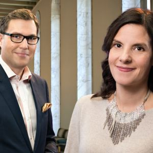 Toimittajat Kirsi Heikel ja Jan Andersson tenttaavat poliitikkoja vaalikauden tärkeistä kysymyksistä.