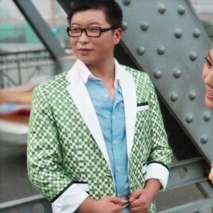Hääkuvauksissa dokumentissa Elämä kiinalaisessa kaapissa