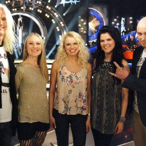 Kasper Ramström, Anna Asunta, Reeta Vestman, Saara Aalto ja juontaja Sami Hintsanen.