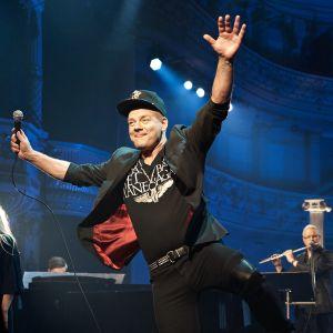 Jari Sillanpää ohjelmassa Melkein unplugged.