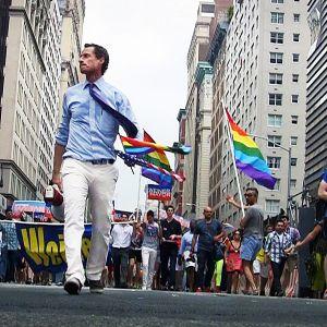 New Yorkin pormestariksi pyrkineen Anthony Weinerin suosio romahti sopimattomien kuvien aiheuttamaan mediakohuun.