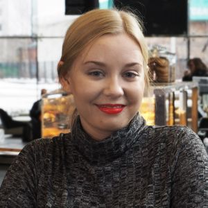 Alttoviulisti Anna-Maria Viksten.
