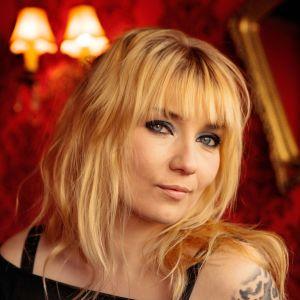 Kirjailija Laura Gustafsson