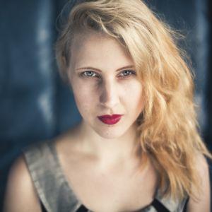Kirjailija Anu Kaaja