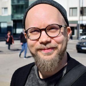 Runoilija Ville Luoma-aho